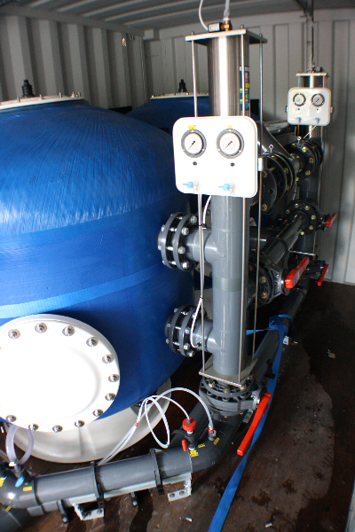 Commercial sand filters with automatic valves