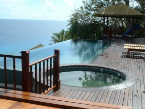 Luxury Infinity Pool & Spa