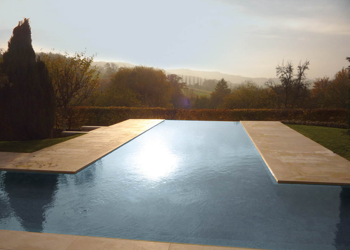 Luxury outdoor infinity pool cotwolds brookforge for Infinity pool design uk