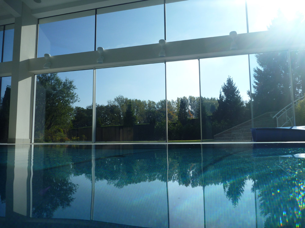 Luxury infinity overflow pool prestbury brookforge for Overflow pool design