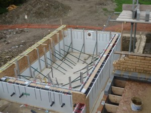 Insulated Overflow Pool Construction