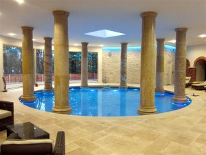 Round Luxury Swimming Pool