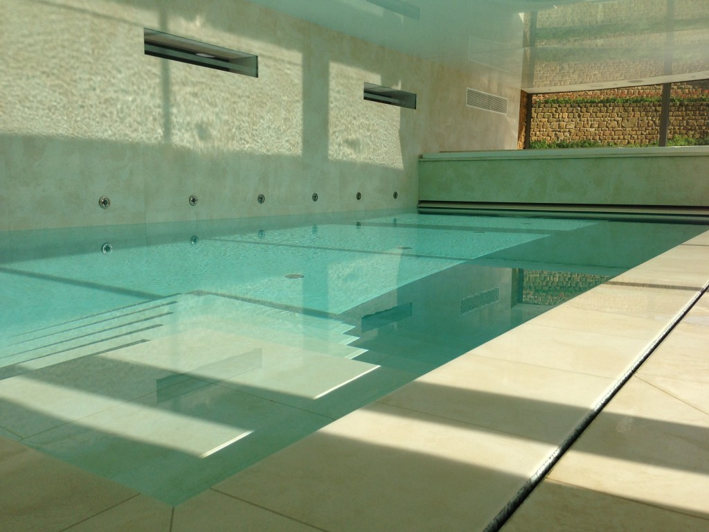 Completion: Luxury Insulated Overflow Pool, Warwickshire ...