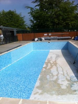 Swimming pool floor tiling