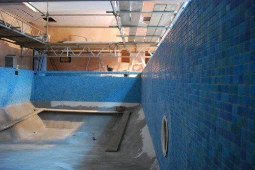 swimming pool shell walls tiled