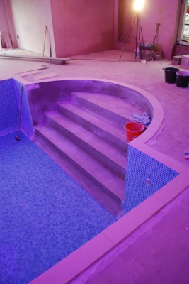 Swimming pool steps about to be tiled