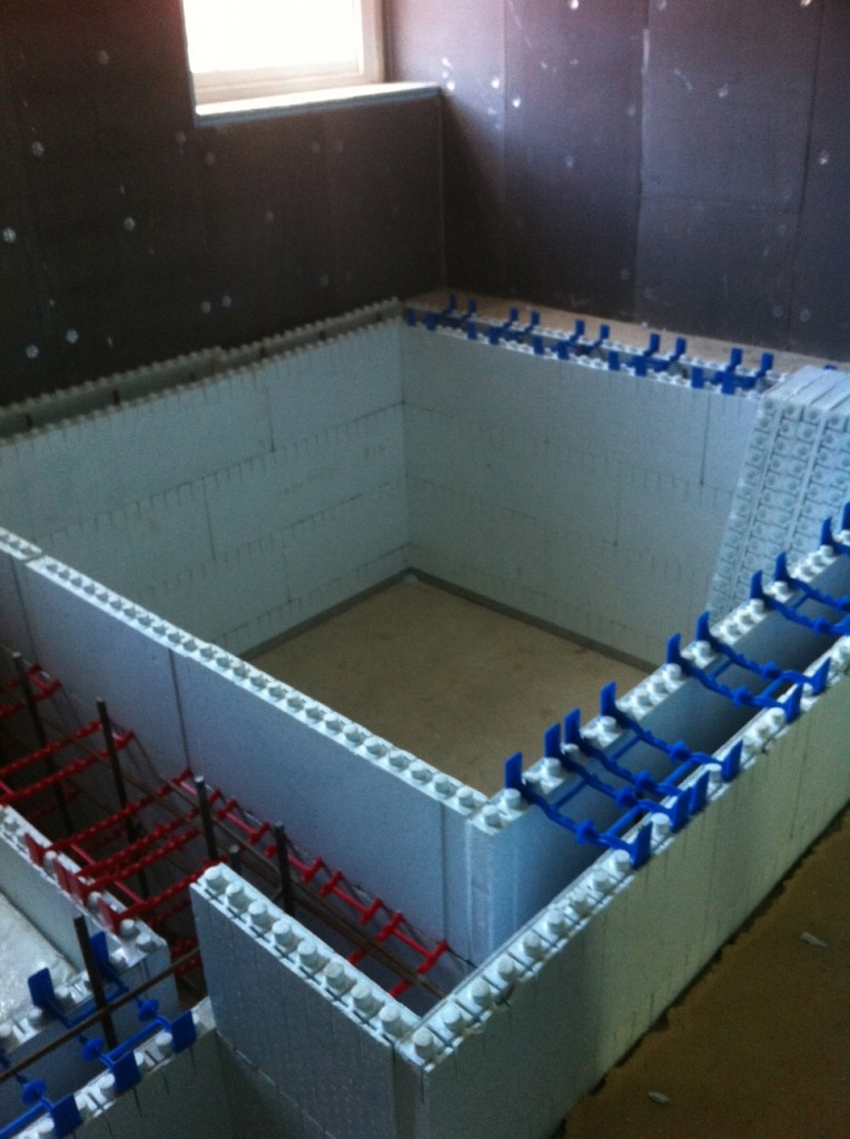 Quad Lock Construction Complete For Hydrotherapy Spa Pool