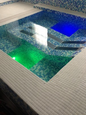 Sensory hydrotherapy spa massage pool