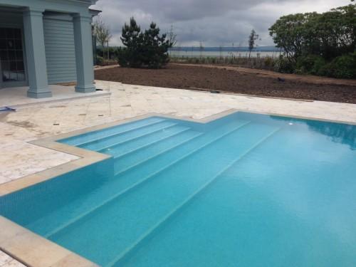 Luxury Slot Overflow Pool