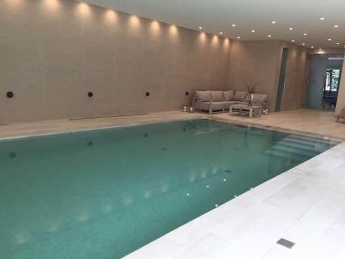 Deck level overflow Pool