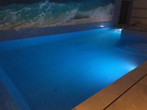Testing under water LED lights