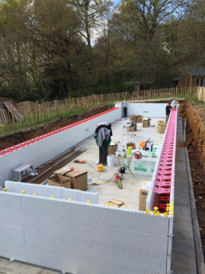 Quadlock Pool Safety Ledge