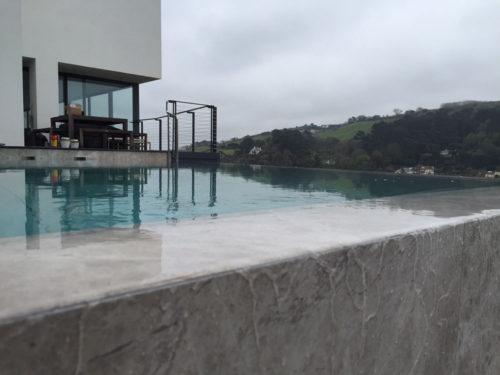 Infinity edge on cliff edge pool
