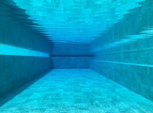 Under water Infinity pool